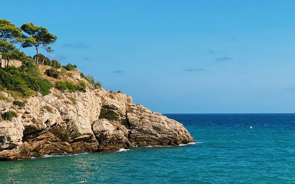 Cliffs and blue water in Salou